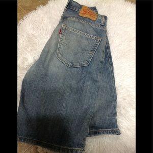 Men's size 30 LEVI'S 569 denim shorts